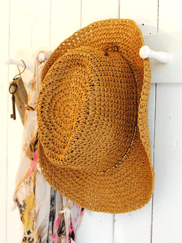 stra-hatt